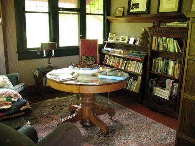 Kangaroo House Library